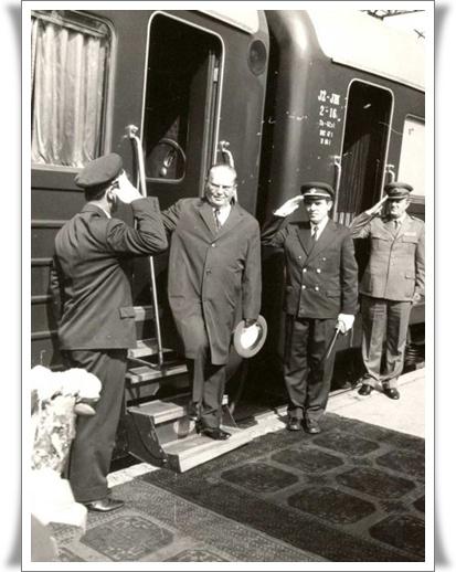 Modri vlak 6