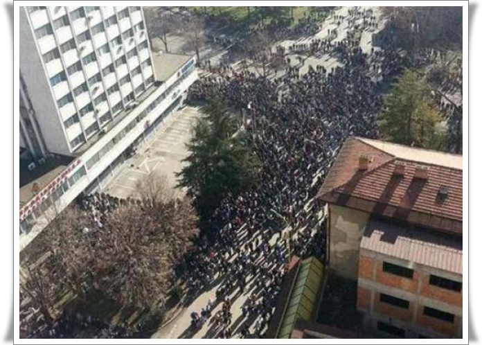 Protesti 1 BiH 2014 Tuzla