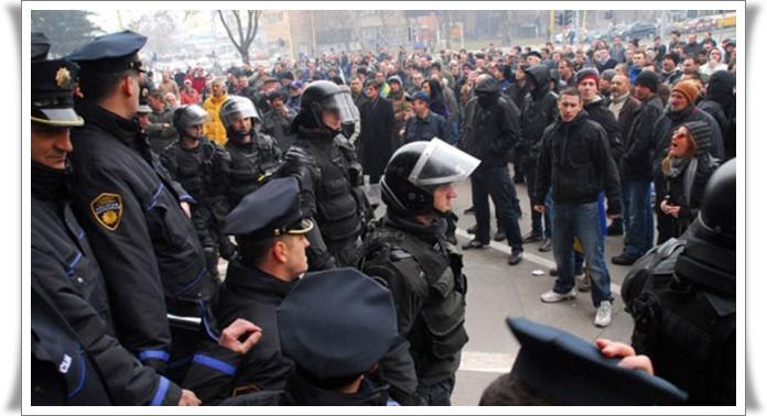 Protesti 2 BiH 2014 Tuzla