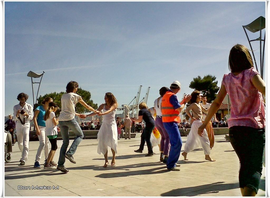 Dancing in the street 2014 Koper 03 (blog Don Marko M)
