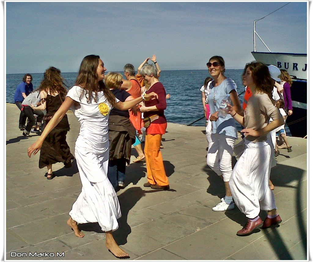 Dancing in the street 2014 Koper 07 (blog Don Marko M)