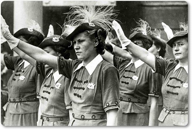 Hitlerjeve pomočnice 1 (blog Don Marko M)