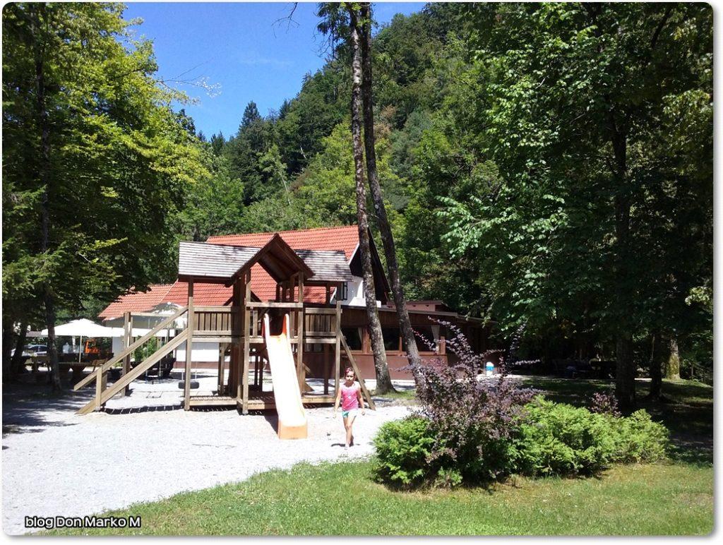 Pograjski dom Polhov gradec (blog Don Marko M)3